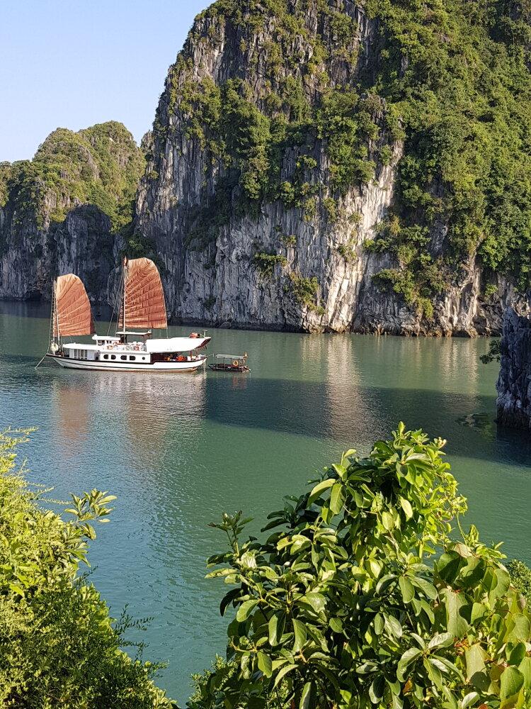 2 jours spectaculaires sur une jonque dans le dédale de la baie d'Ha Long