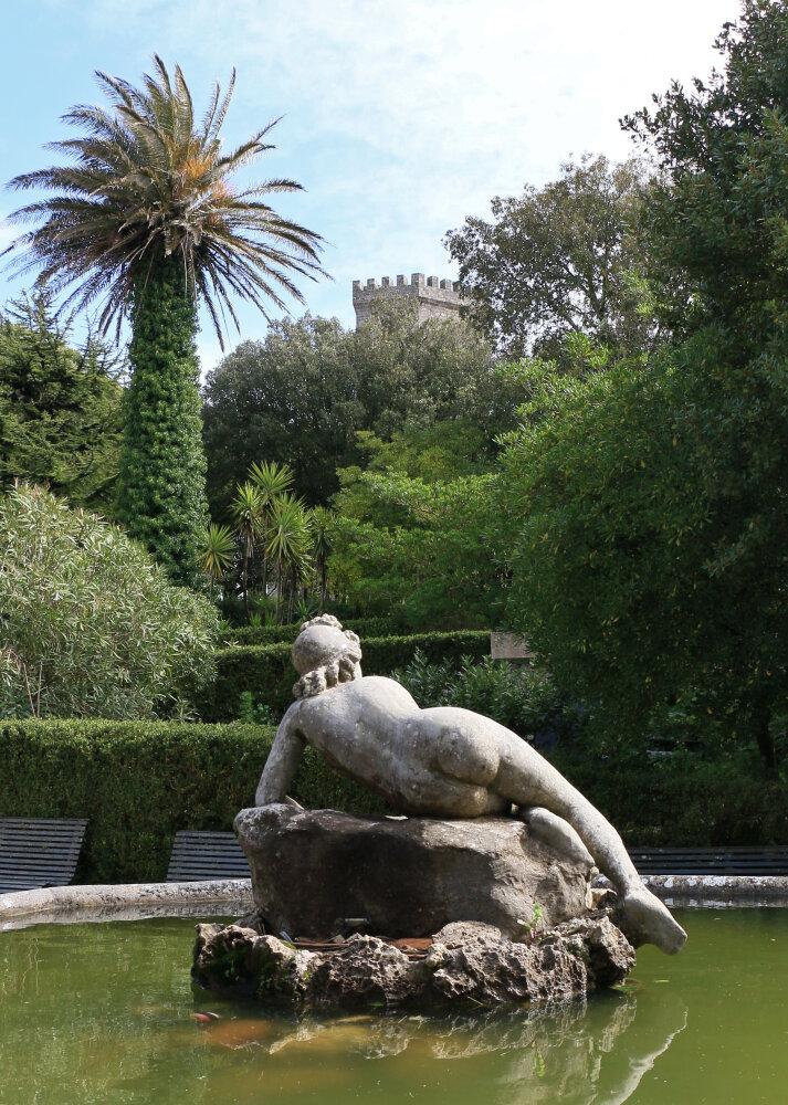 Fontaine à Erice, village médiéval près de Trapani