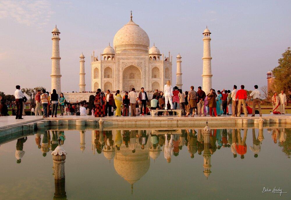 Affluence quotidienne au Taj Mahal