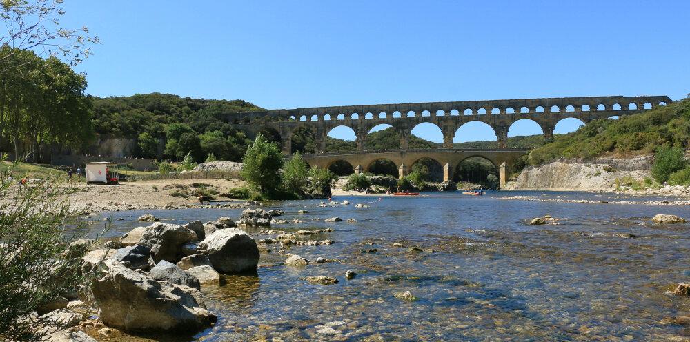 Le Pont du Gard, aqueduc romain, dans le département du Gard