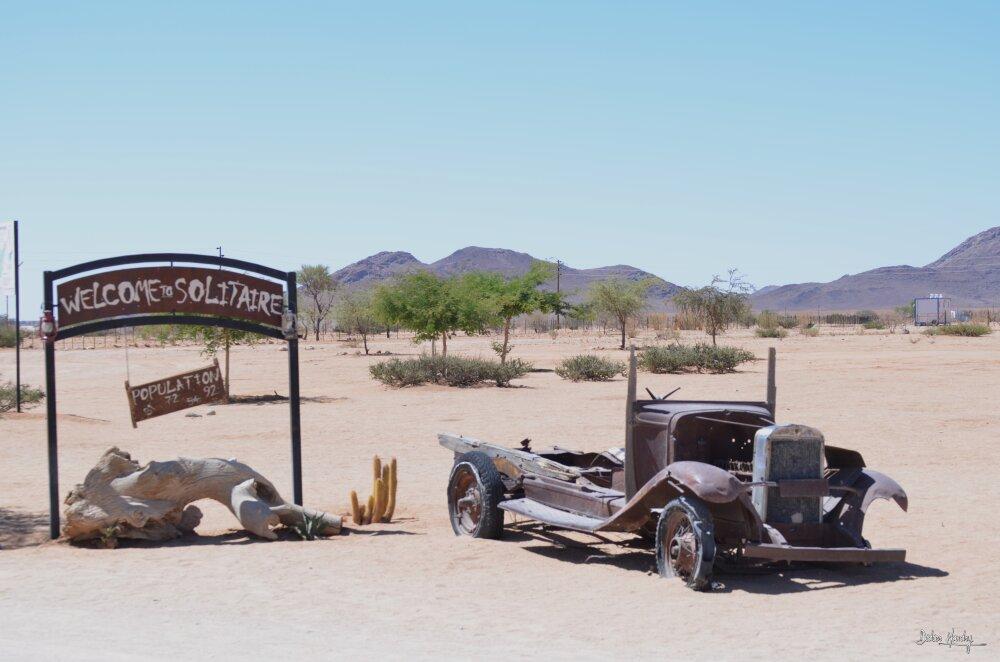 Ouest américain? non...désert de Namibie...