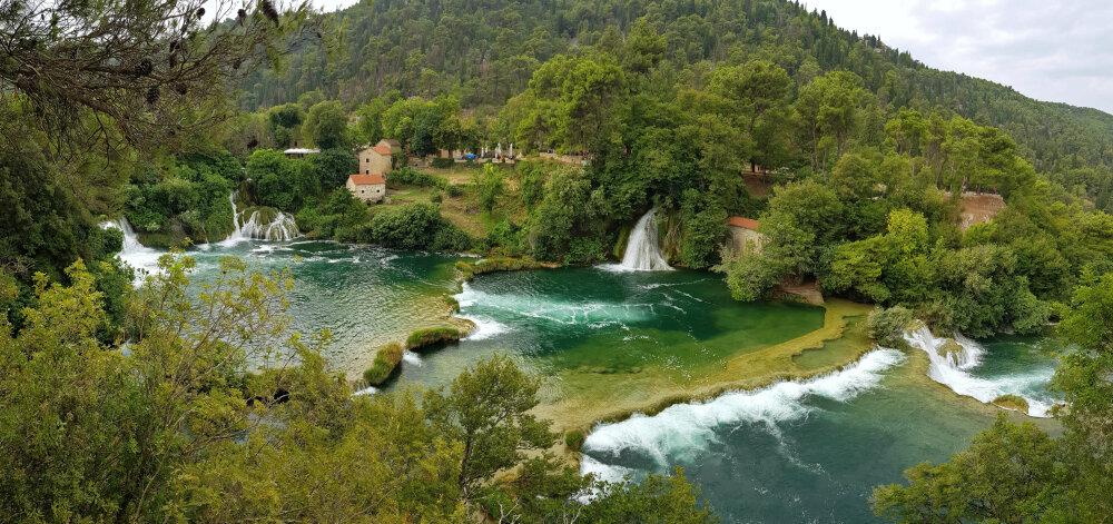 Parc national de Krka. Vue d'ensemble des lacs et cascades
