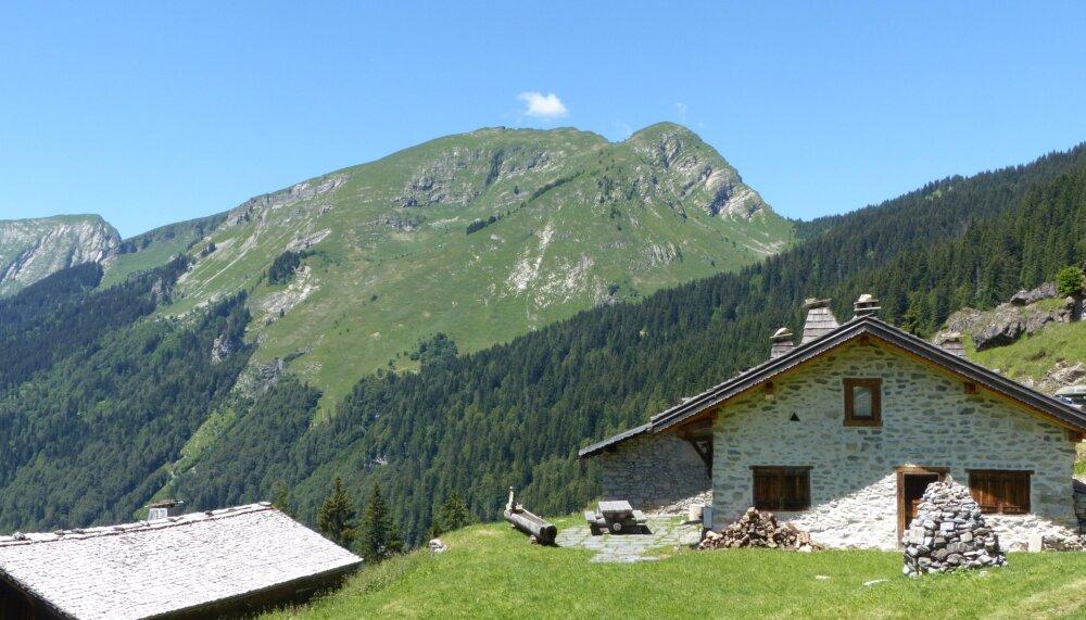 Les Lindarets, petit village dans les alpages