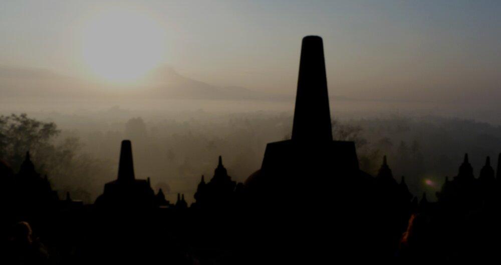 Borobudur aux premières lueurs du jour