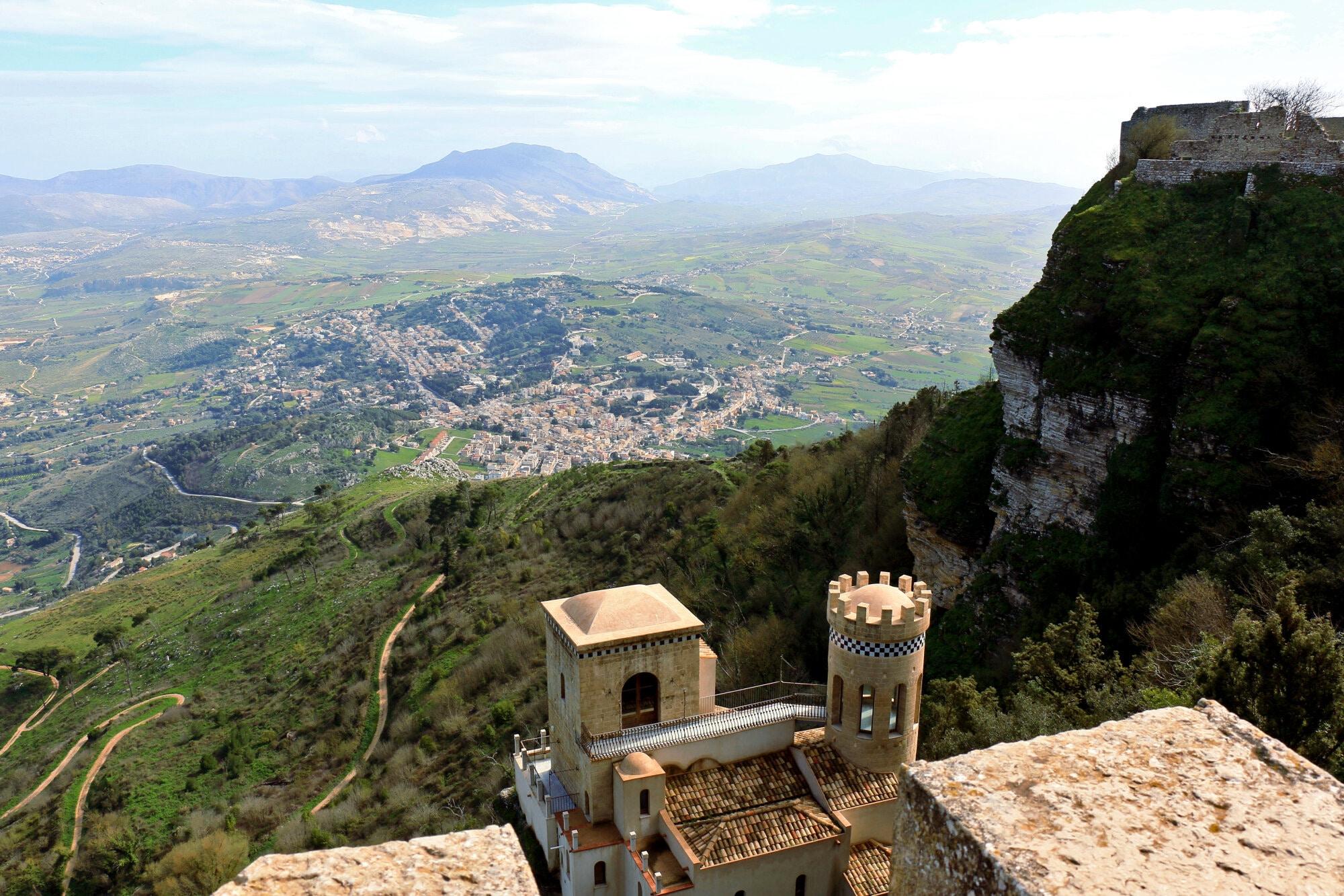Erice, village médiéval sur le mont Eryx à 750m d'altitude près de Trapani