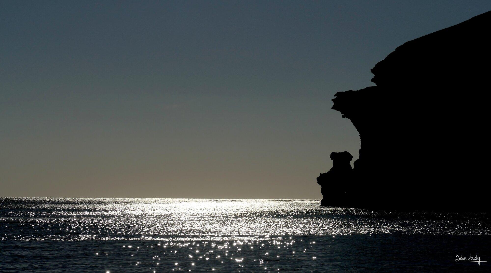 Fin du jour dans la baie de Santorin