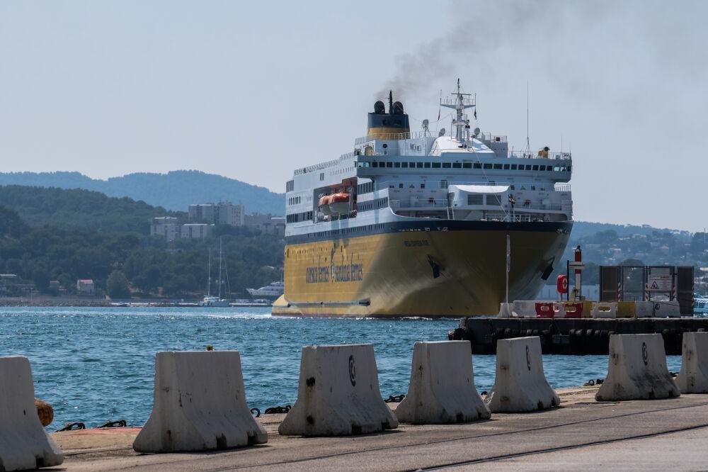 "Express 5"" de la compagnie Corsica Ferries"