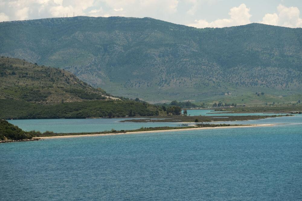 Vue sur le chenal de Butrint (Albanie)
