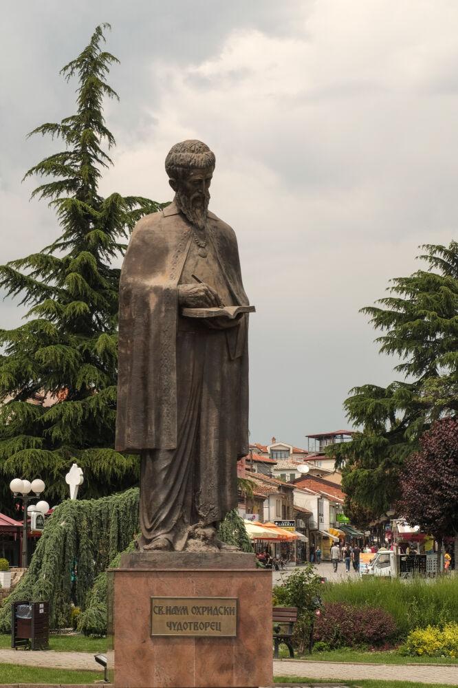 Ohrid - Statue de St Naum