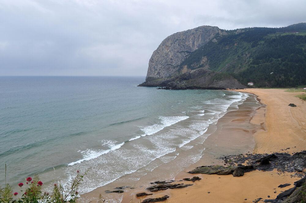 Playa de Laga et le cap Ogono