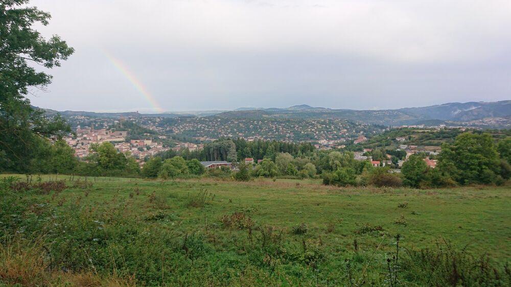 Le Puy-en-Velay sous un arc en ciel
